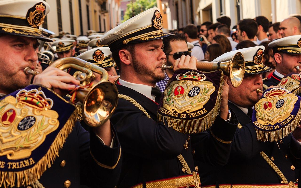 Músicos de la Banda de Cornetas de las Tres Caídas