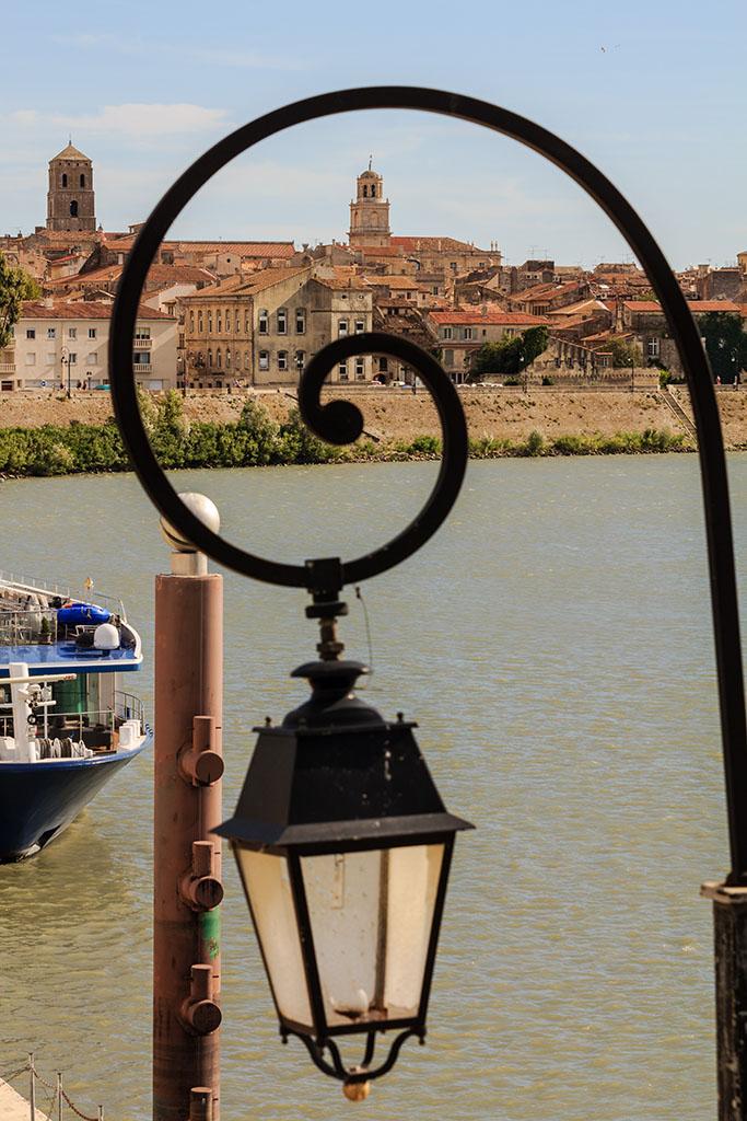 Paseo fluvial de Arles