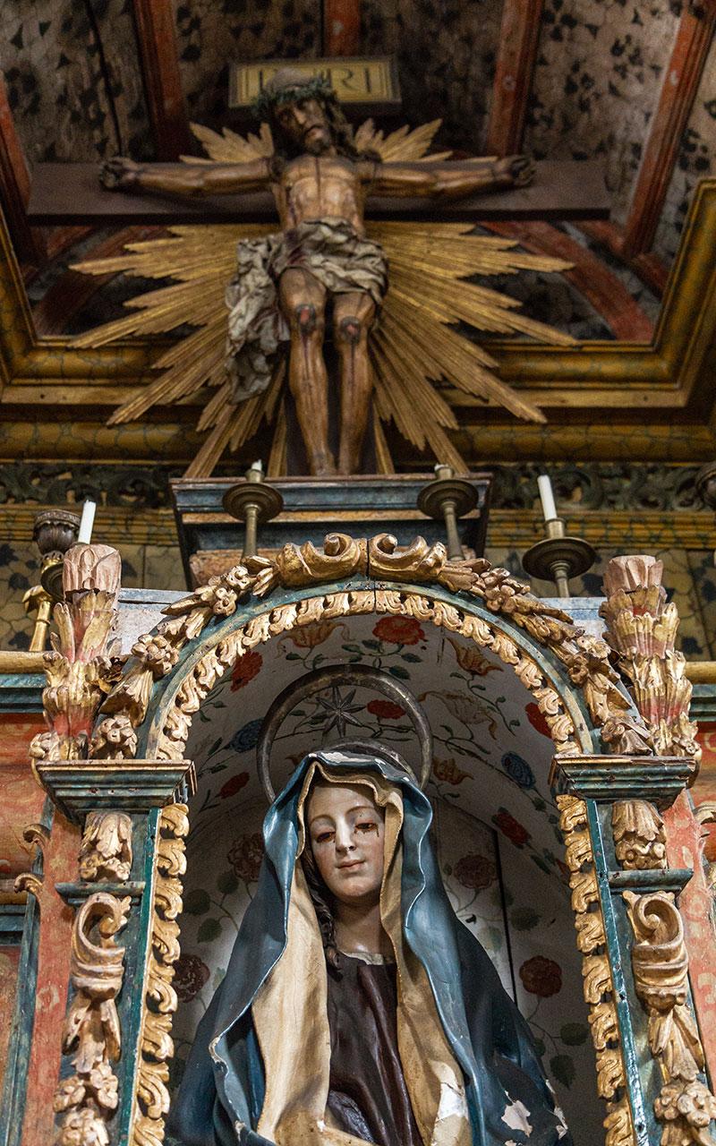 Crucificado y Piedad