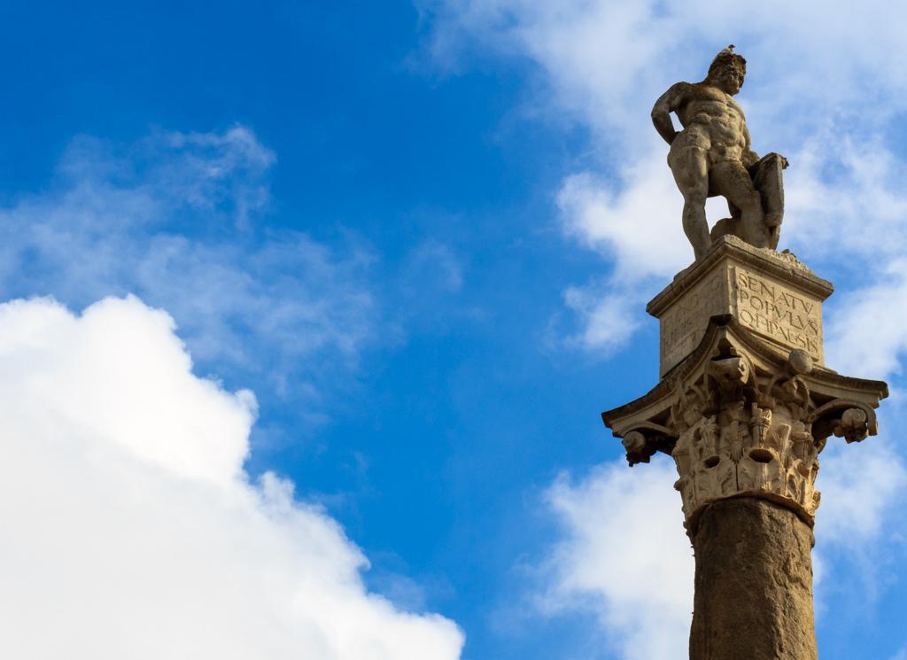 Columna romana en la Alameda de Hércules