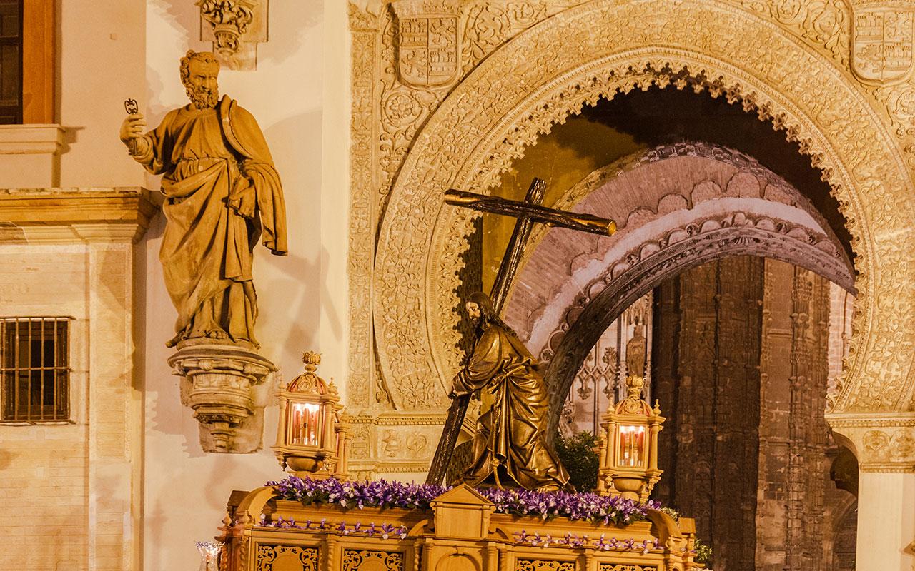 Viernes de Dolores en Sevilla. Cristo de la Corona ante San Pedro, 2015 ©Flivillegas