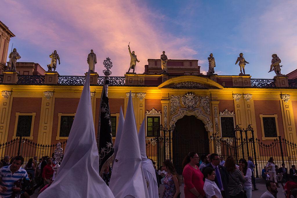 La Paz por el Palacio de San Telmo