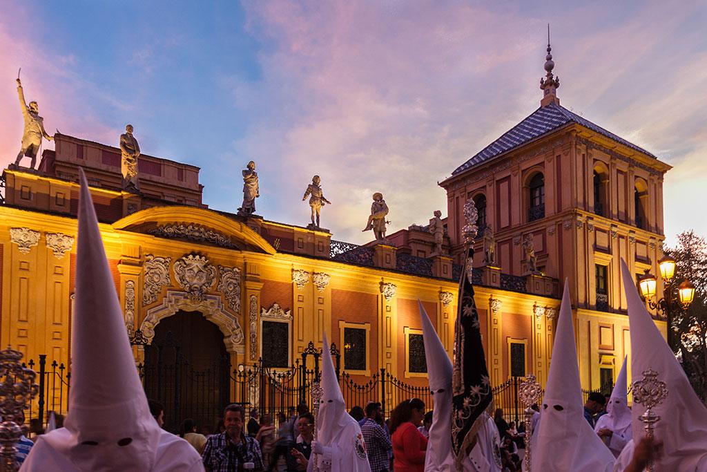 La tribuna de los Ilustres (III). Sevilla, 2015 ©Flivillegas