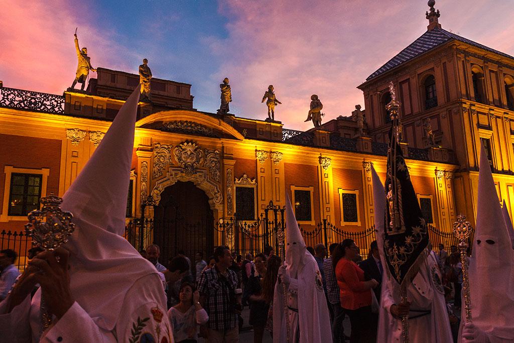 Nazarenos de La Paz en San Telmo