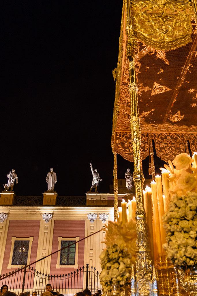 La tribuna de los Ilustres (VII). Sevilla, 2015 ©Flivillegas