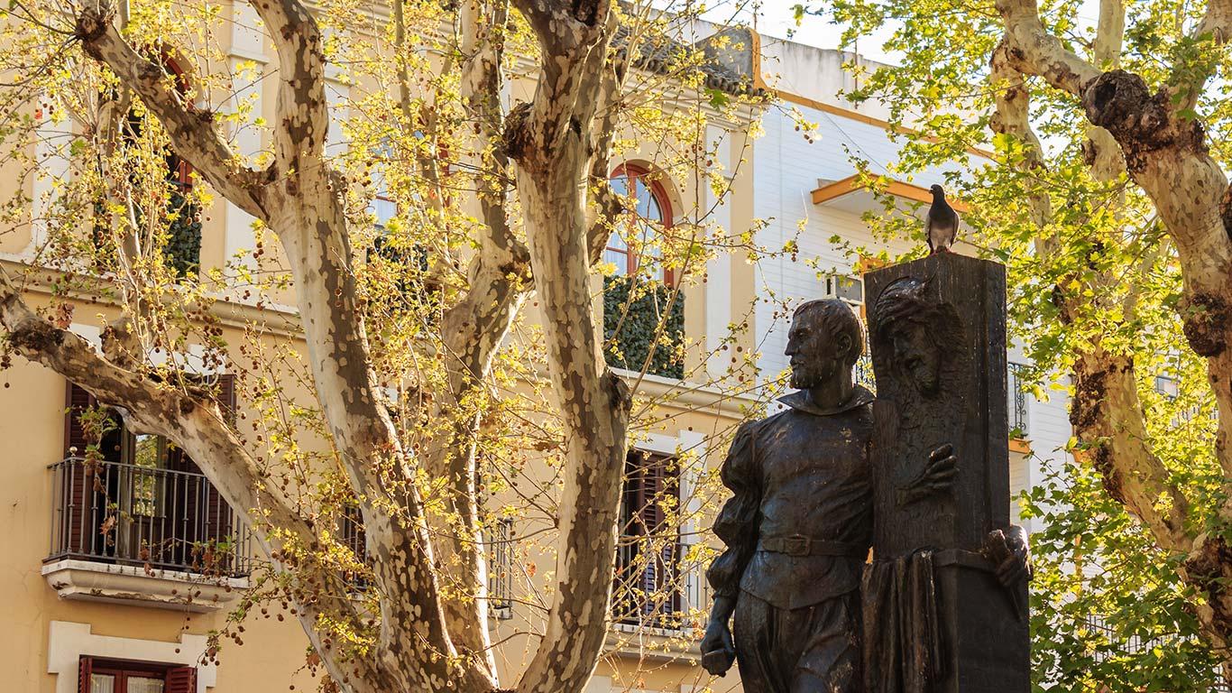 Juan de Mesa con compaña. Martes Santo, Plaza de San Lorenzo, 2015 ©Flivillegas