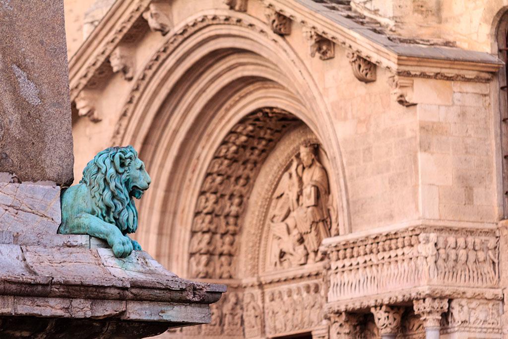 Plaza principal de Arles