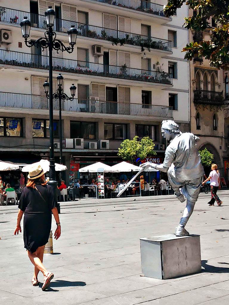 Mimo de tenista en la Avenida de la Constitución