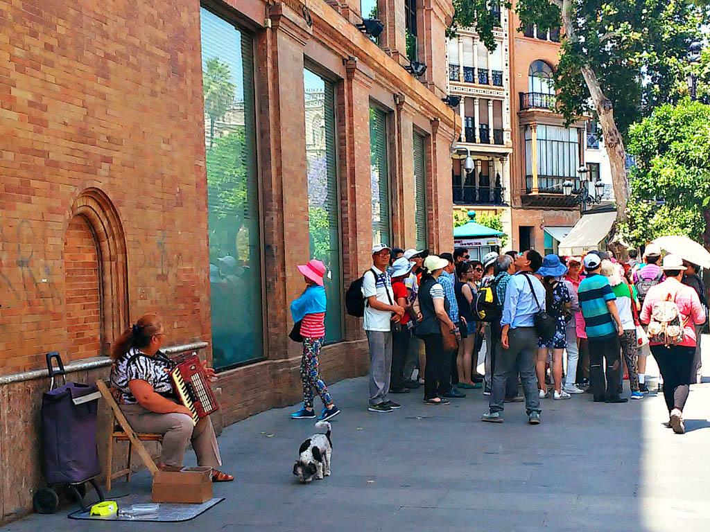 Música callejera en la Avenida de la Constitución