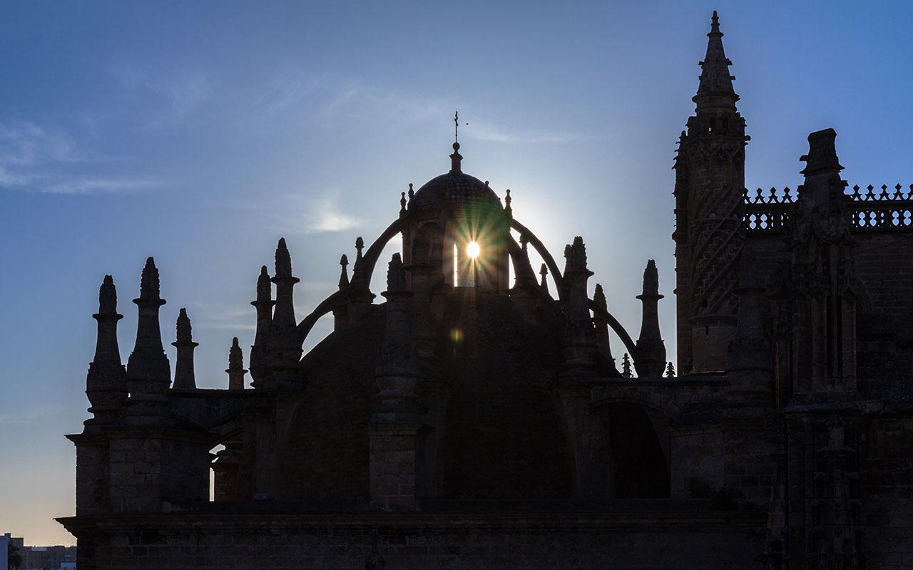 Silueta de la Catedral de Sevilla