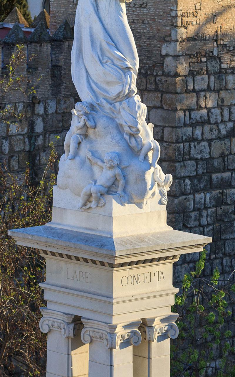 Detalle del Monumento a la Inmaculada