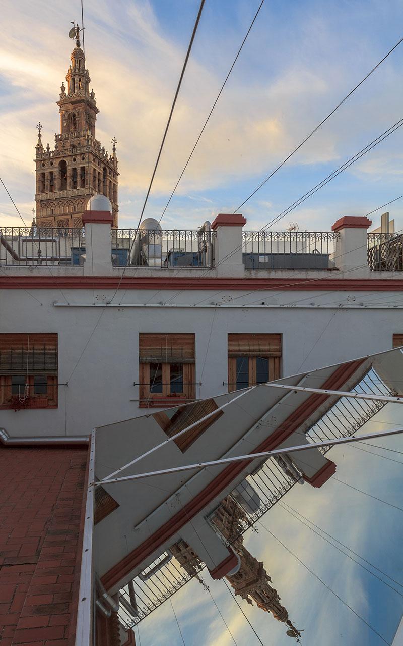 Giralda por duplicado II. Sevilla, 2014 ©Flivillegas