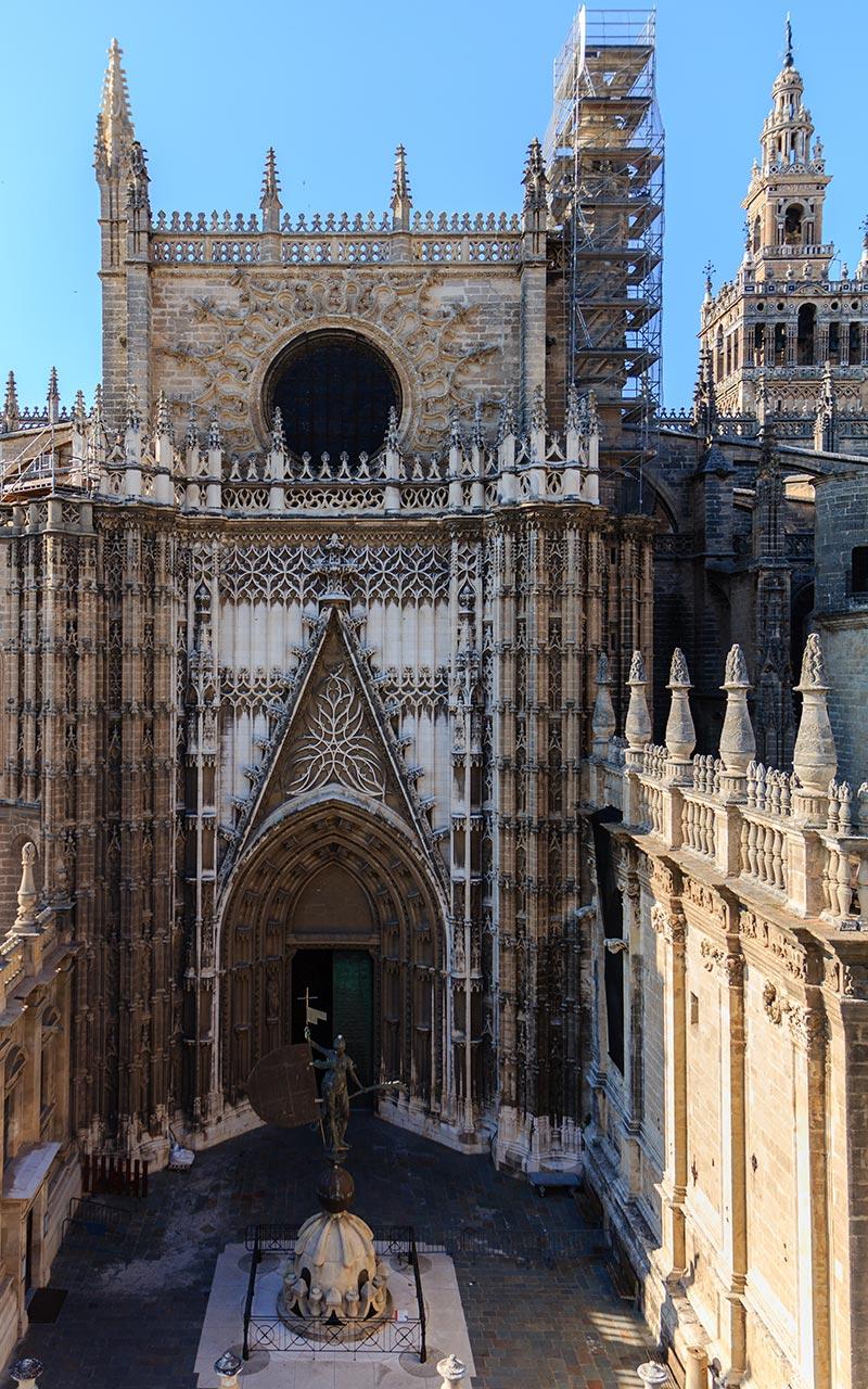 Giraldillo por duplicado. Sevilla, 2012 ©Flivillegas