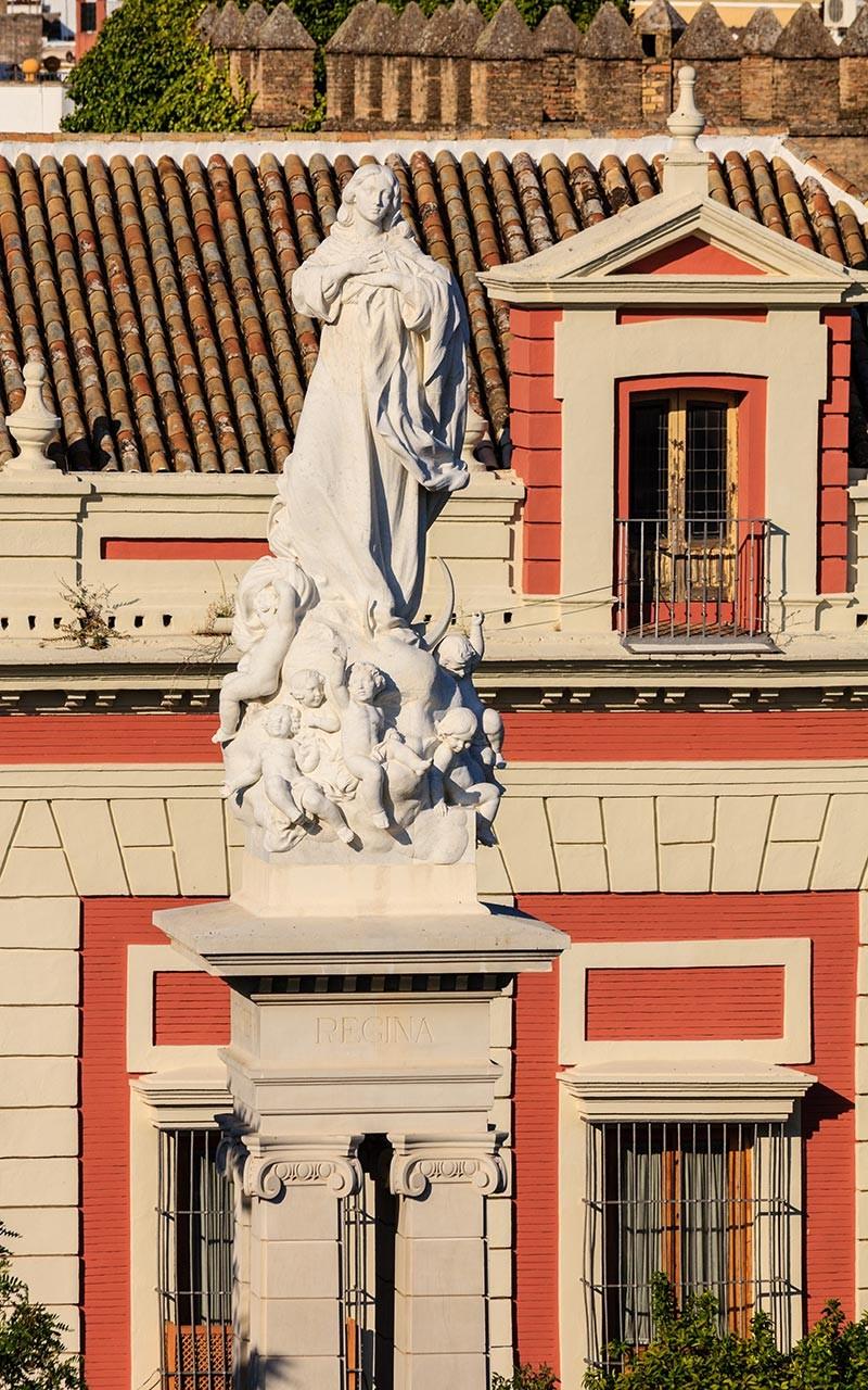 Monumento a la Inmaculada en la Plaza del Triunfo