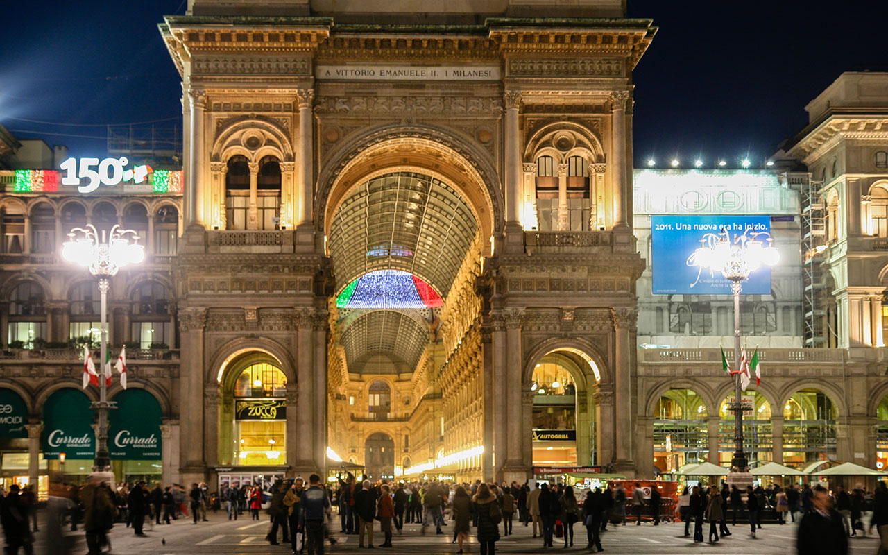 Galerías Vittorio Emanuele II de noche. Milán ©Flivillegas