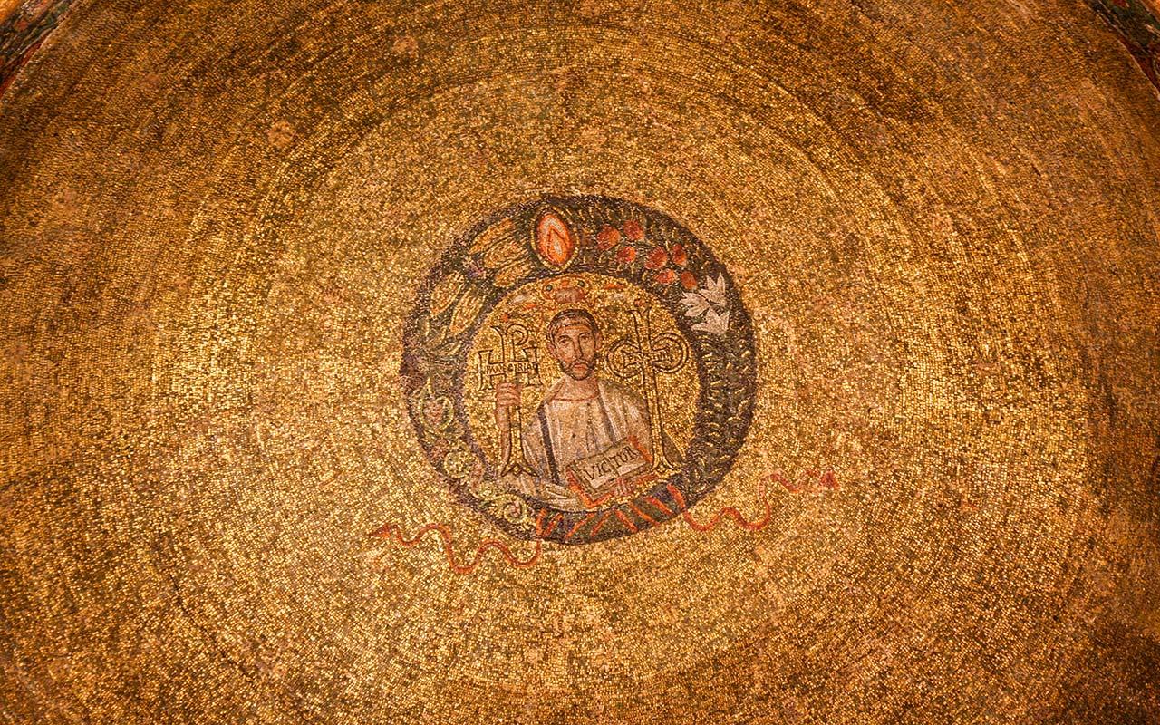 San Vittore en su cielo de oro. Basílica di Sant'Ambrogio, Milán ©Flivillegas