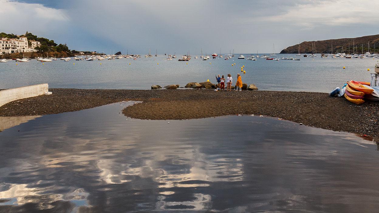 Cielo y mar para Dalí. Cadaqués, 2013 ©Flivillegas