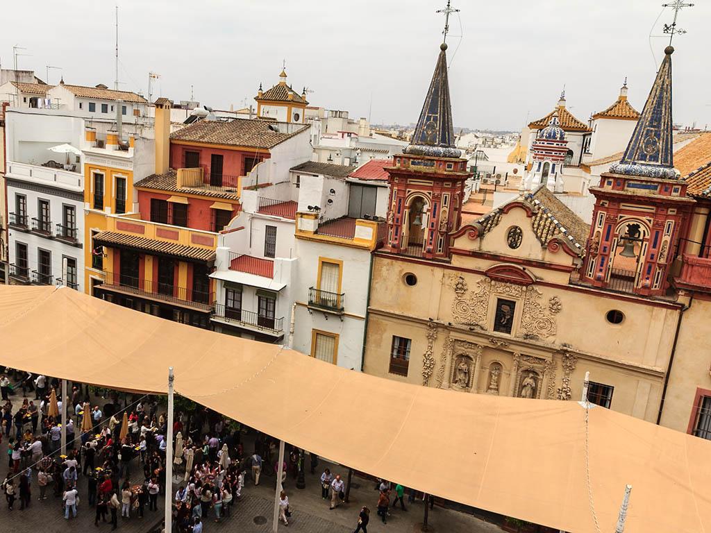 Vista de la plaza desde el Salvador