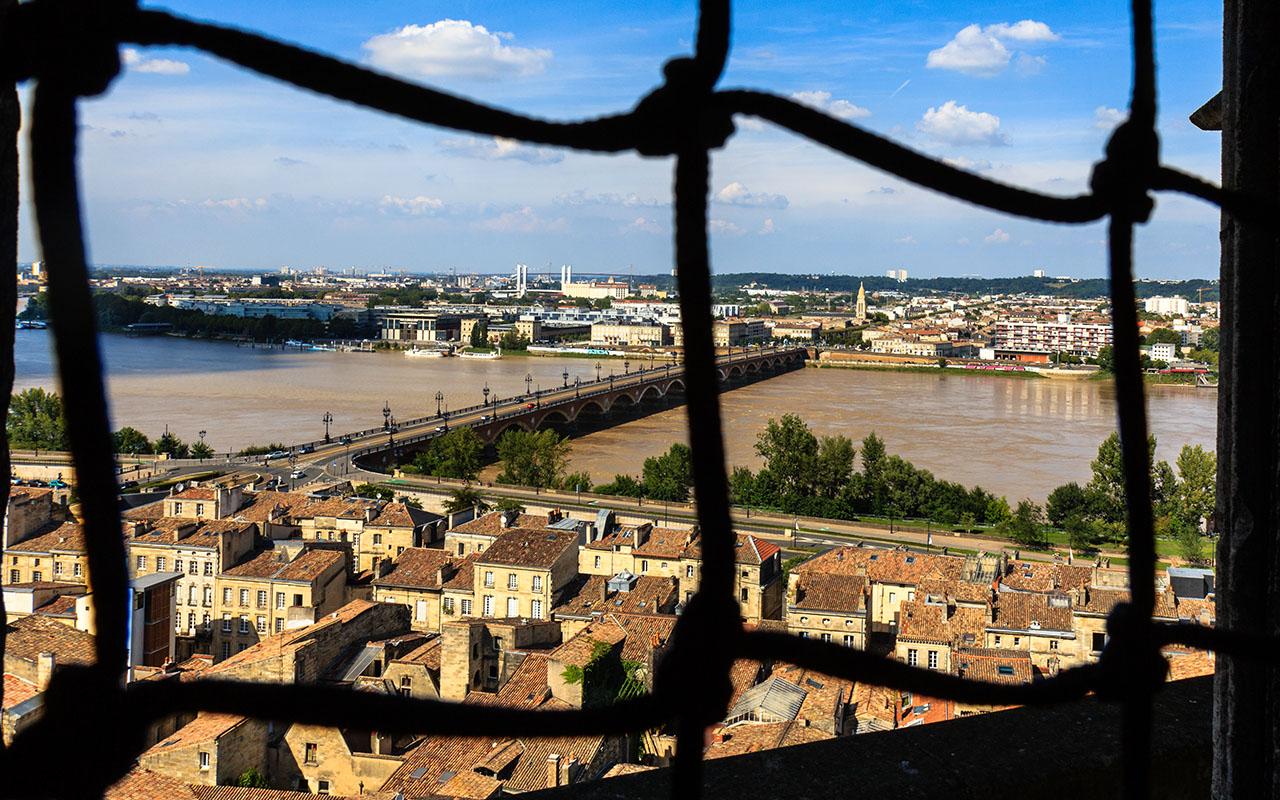 Érase una ciudad en torno a un río. Burdeos, 2014 ©Flivillegas