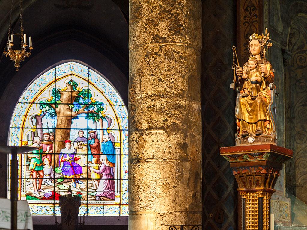 Virgen y Niño de la Iglesia de Notre-Dame la Grande