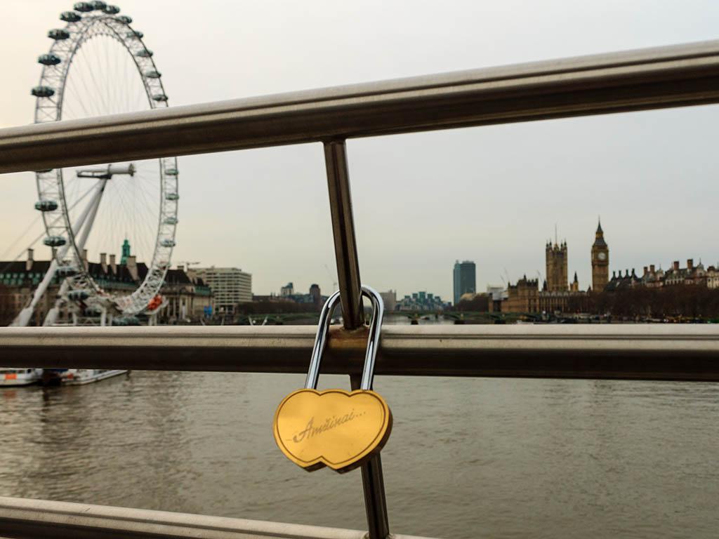 Candado en un puente de Londres