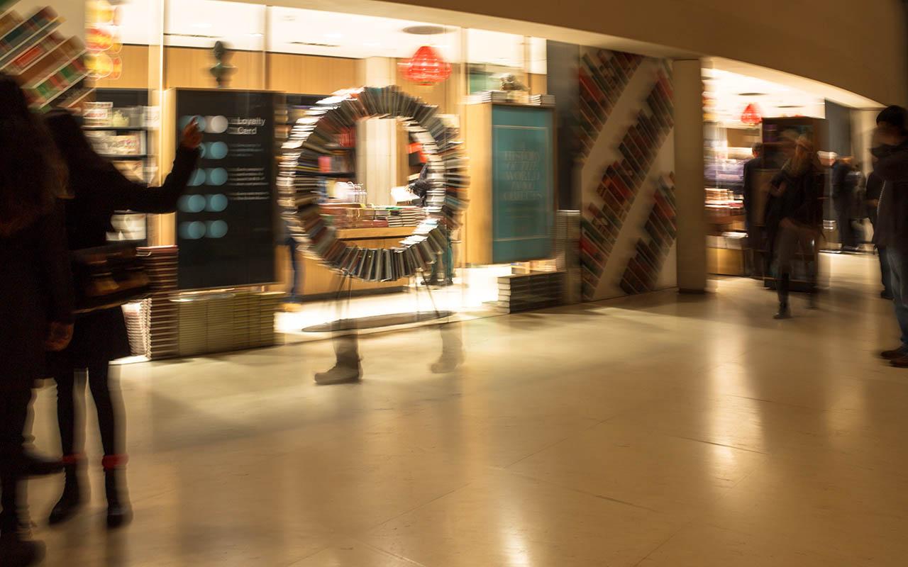 Gente en el Museo Británico de Londres