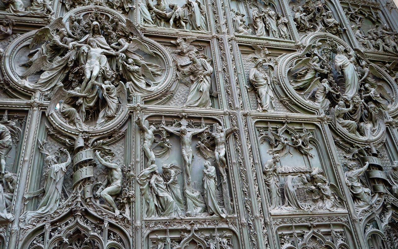 La Pasión en bronce I. Milán ©Flivillegas
