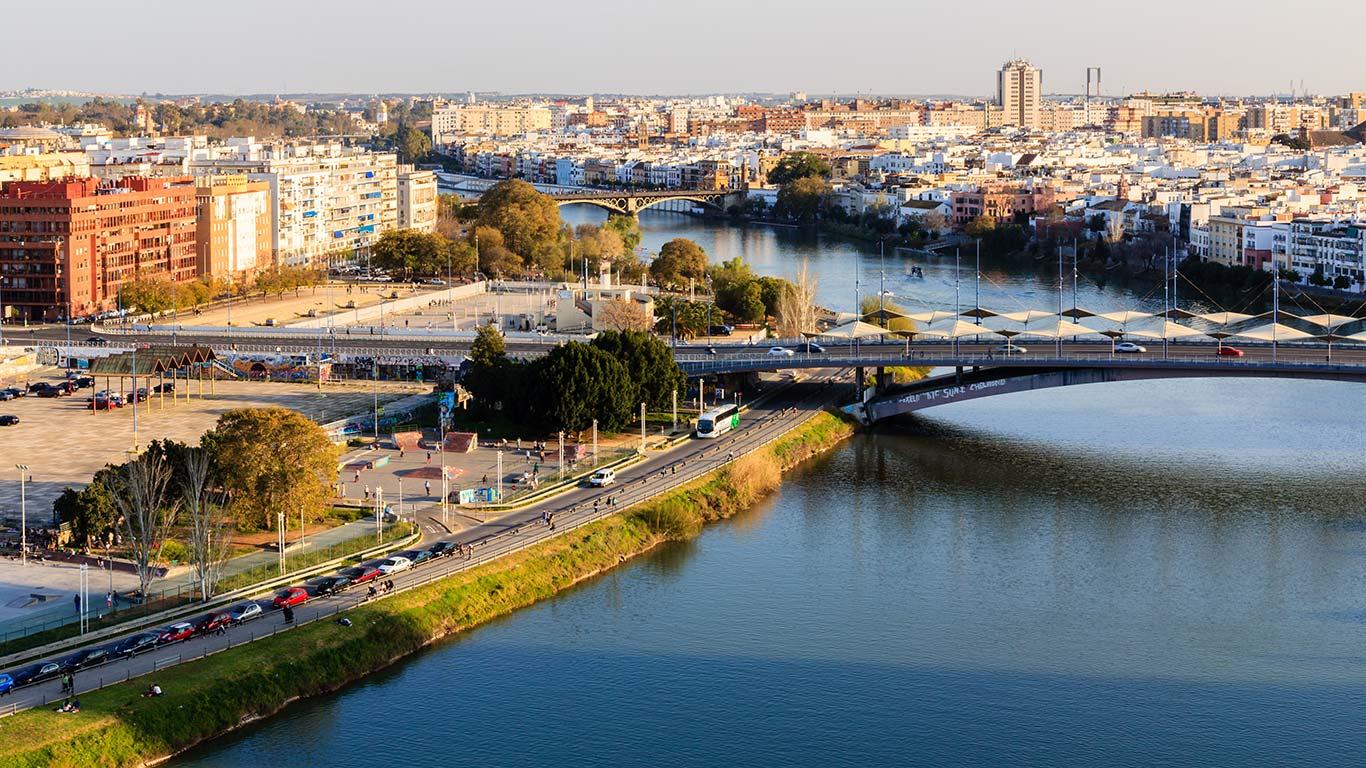 Panorámica desde la Torre Schindler de los puentes de La Expiración y Triana