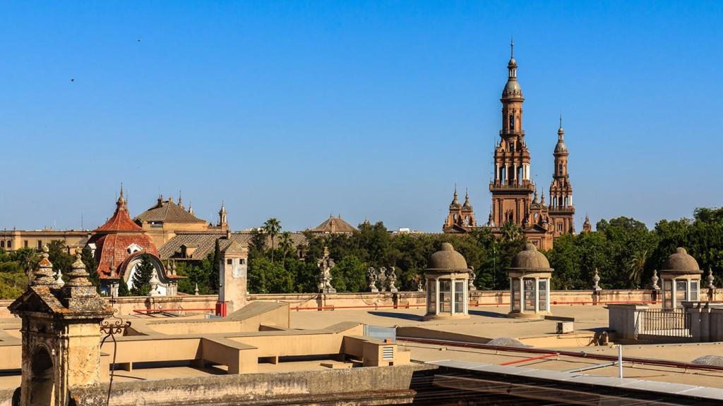 Plaza de España desde las cubiertas de la Fábrica de Tabacos