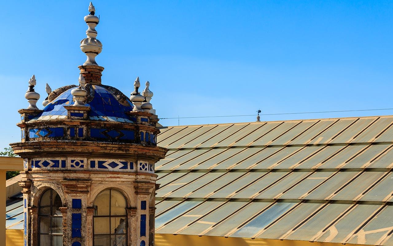 Giraldillo desde las cubiertas de la Fábrica de Tabacos de la Universidad de Sevilla
