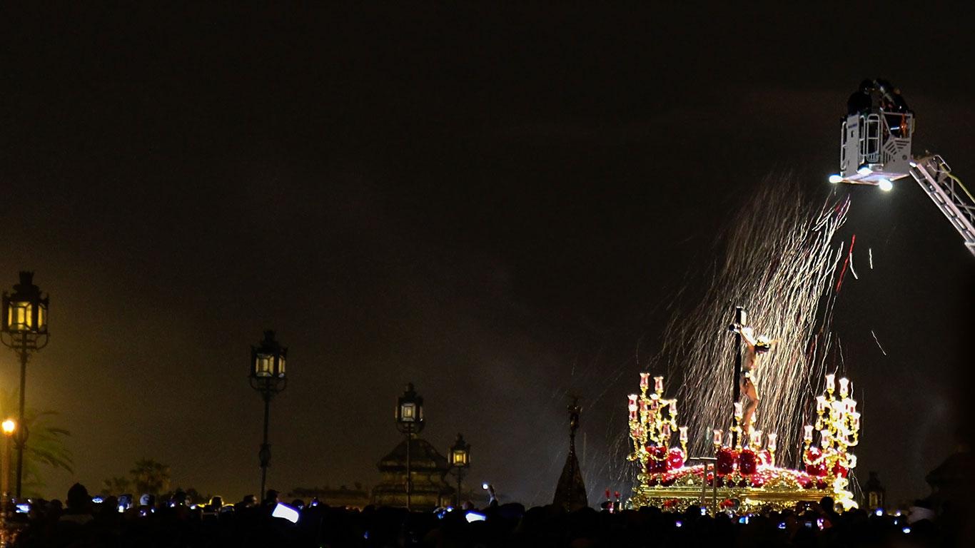 San Bernardo en su puente. Miércoles Santo, 2012 ©Flivillegas
