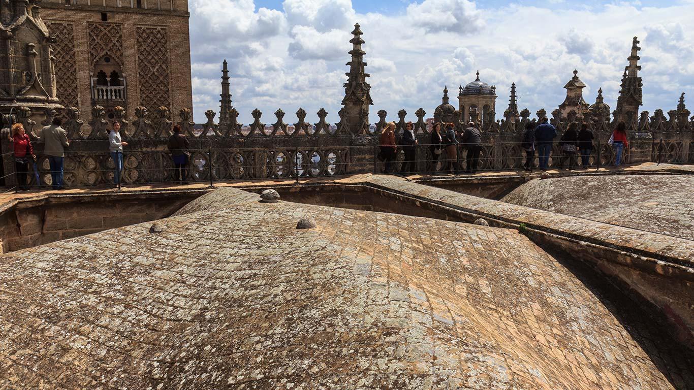 Cubiertas de la Catedral con visitantes