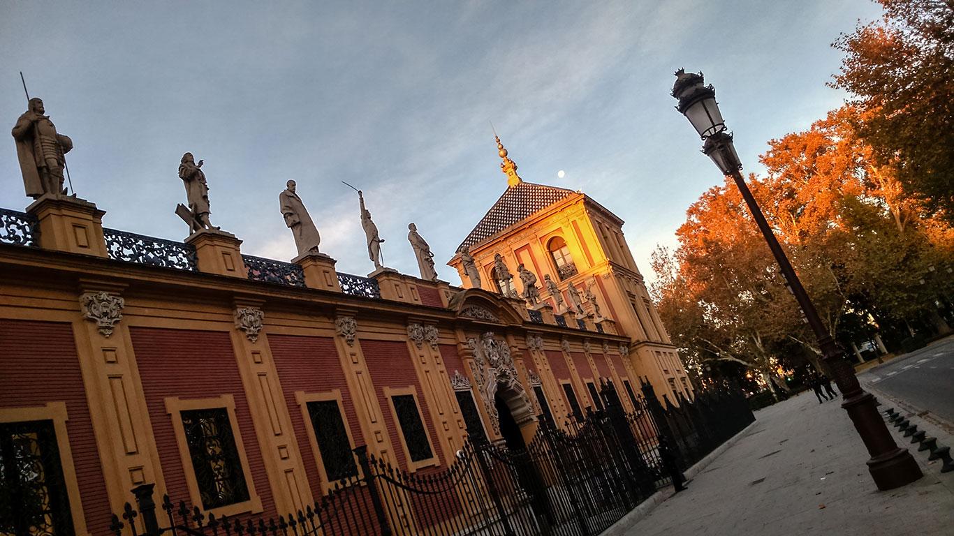 Fachada lateral del palacio