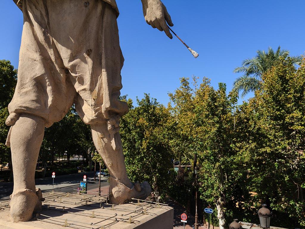Detalle de la escultura del pintor en el Palacio de San Telmo