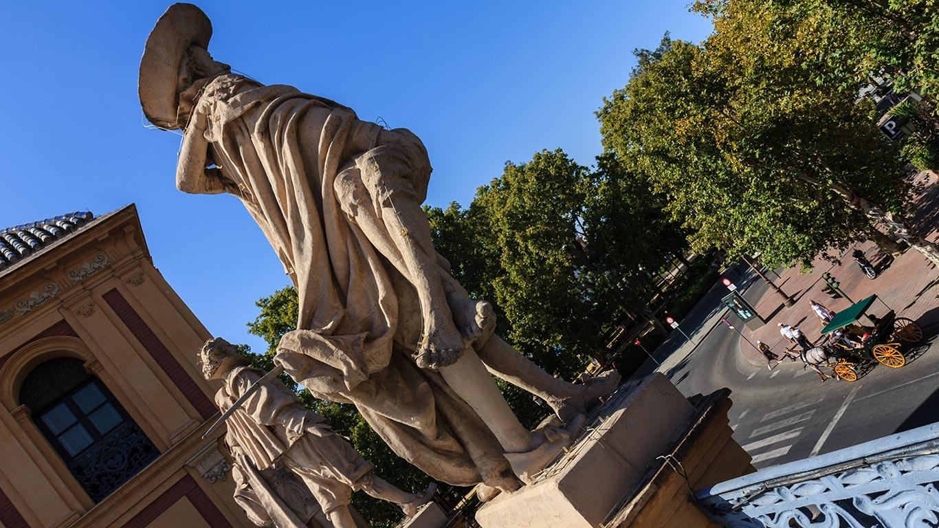 Escultura de Miguel de Mañara en el Palacio de San Telmo