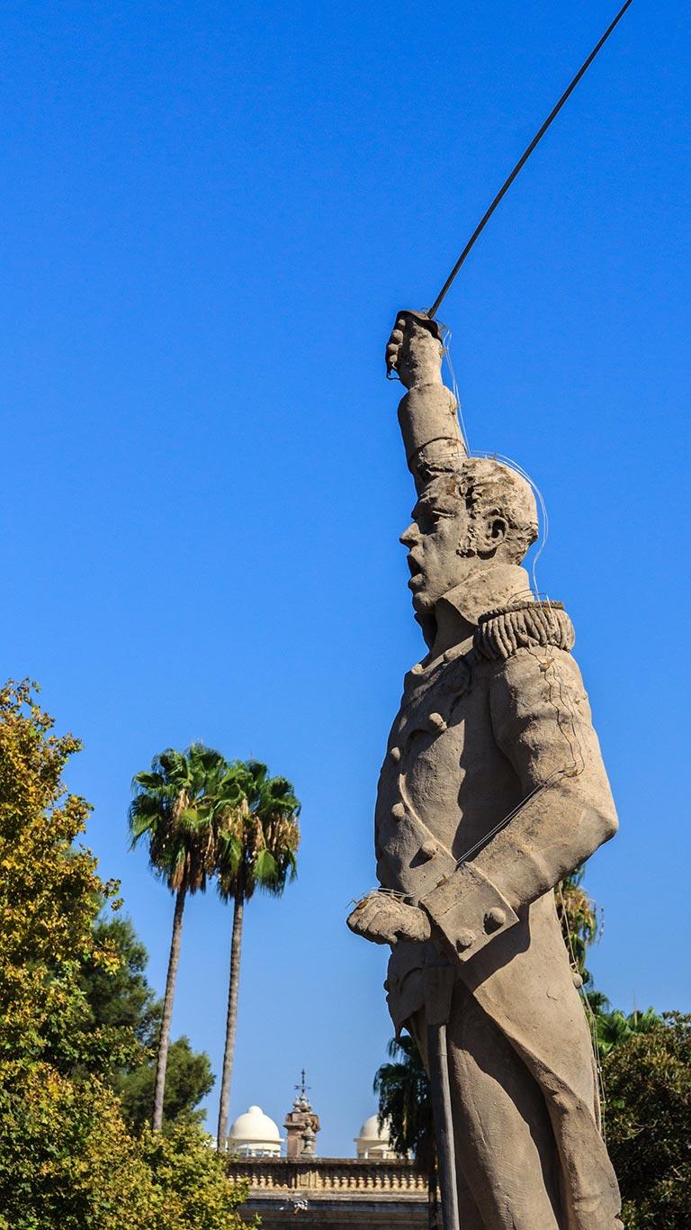Escultura de Daóiz en el Palacio de San Telmo