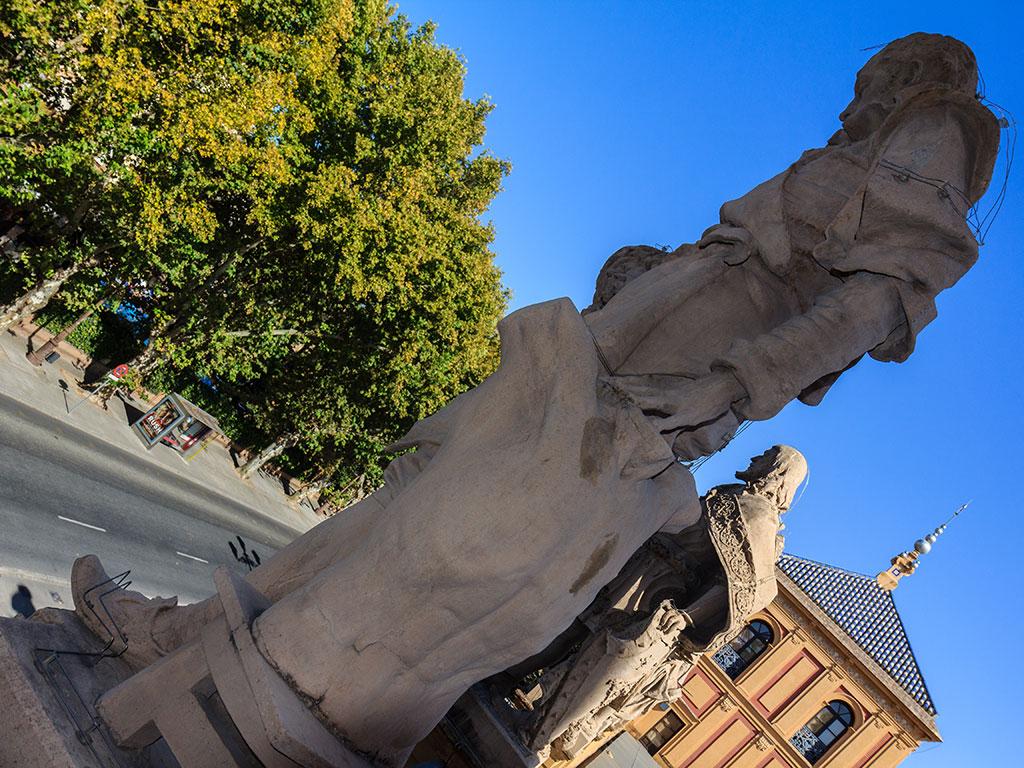 Escultura del Palacio de San Telmo