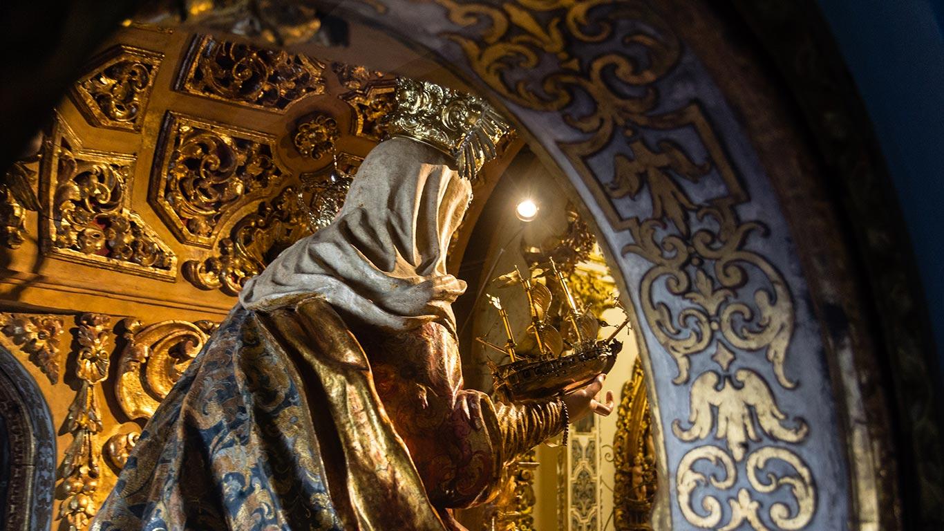 Camarín de la Virgen del Buen Aire. Sevilla, 2014 ©Flivillegas