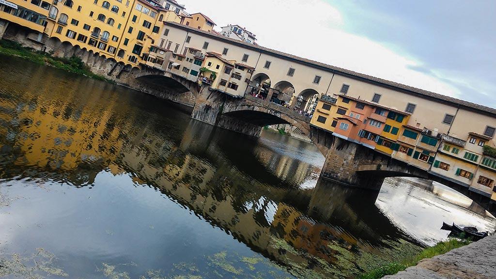 Atardecer en el Ponte Vecchio. Florencia, 2015. Foto de móvil ©Flivillegas