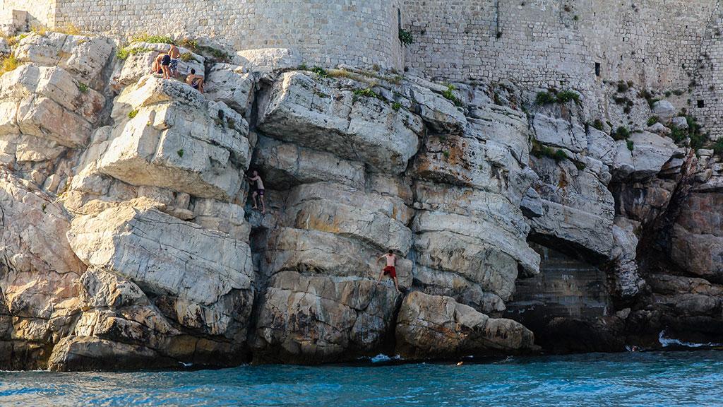 Intrépido en ancantilado. Dubrovnik, 2012 ©Flivillegas