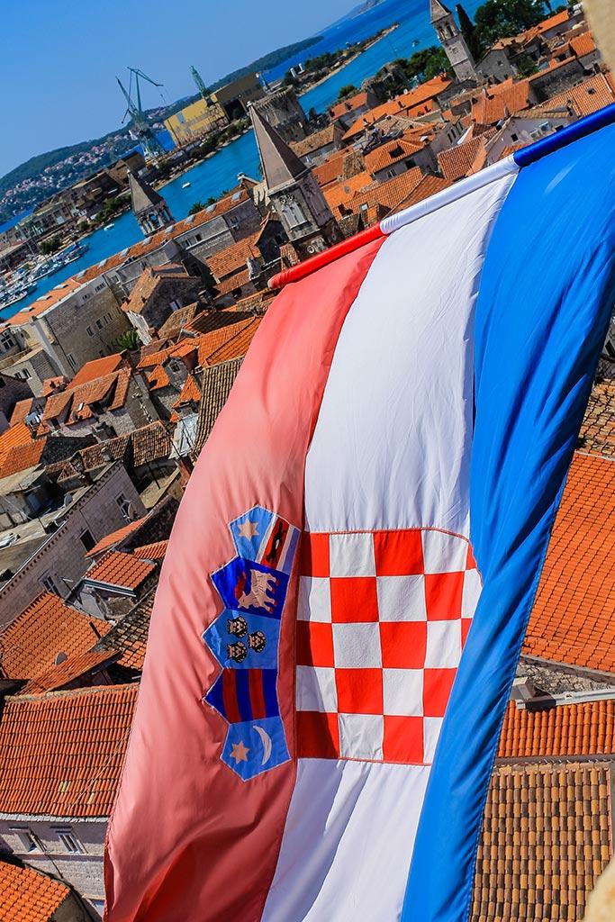 Bandera al cielo. Trogir, 2012 ©Flivillegas