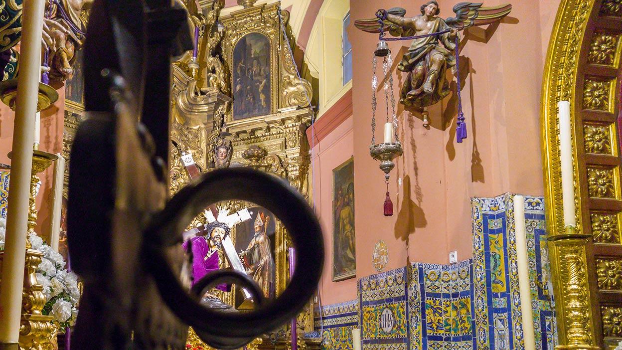 Descontando lunes para el Lunes Santo. Sevilla, 2017 ©Flivillegas