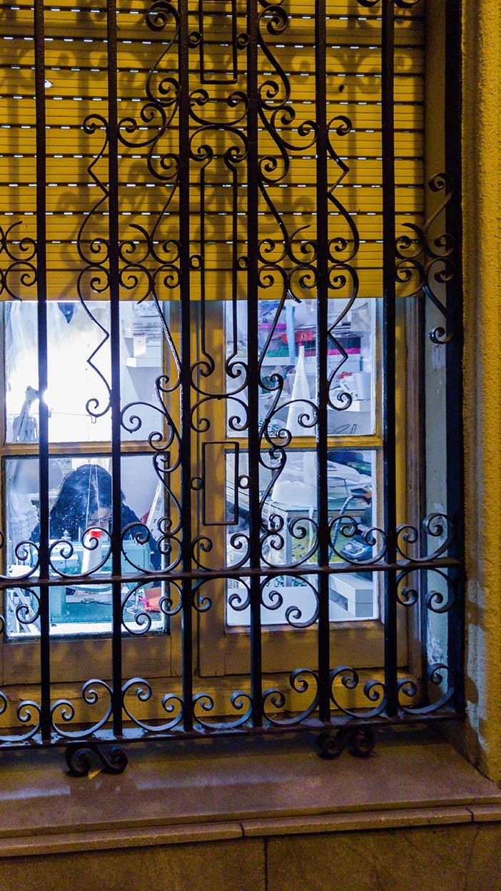 La trastienda de la fiesta. Sevilla, 2017 ©Flivillegas