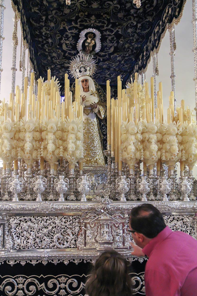 La transmisión. San Julián. Sevilla, 2016 ©Flivillegas