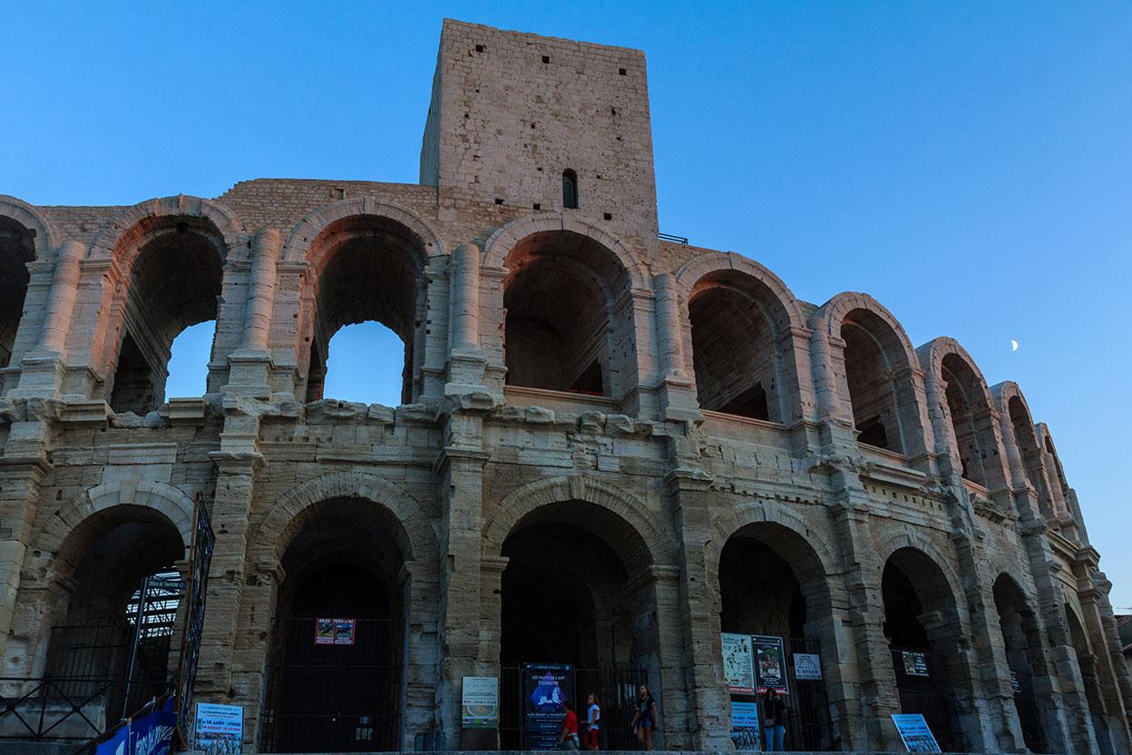 Roma en la hora azul. Arlés, 2013 ©Flivillegas