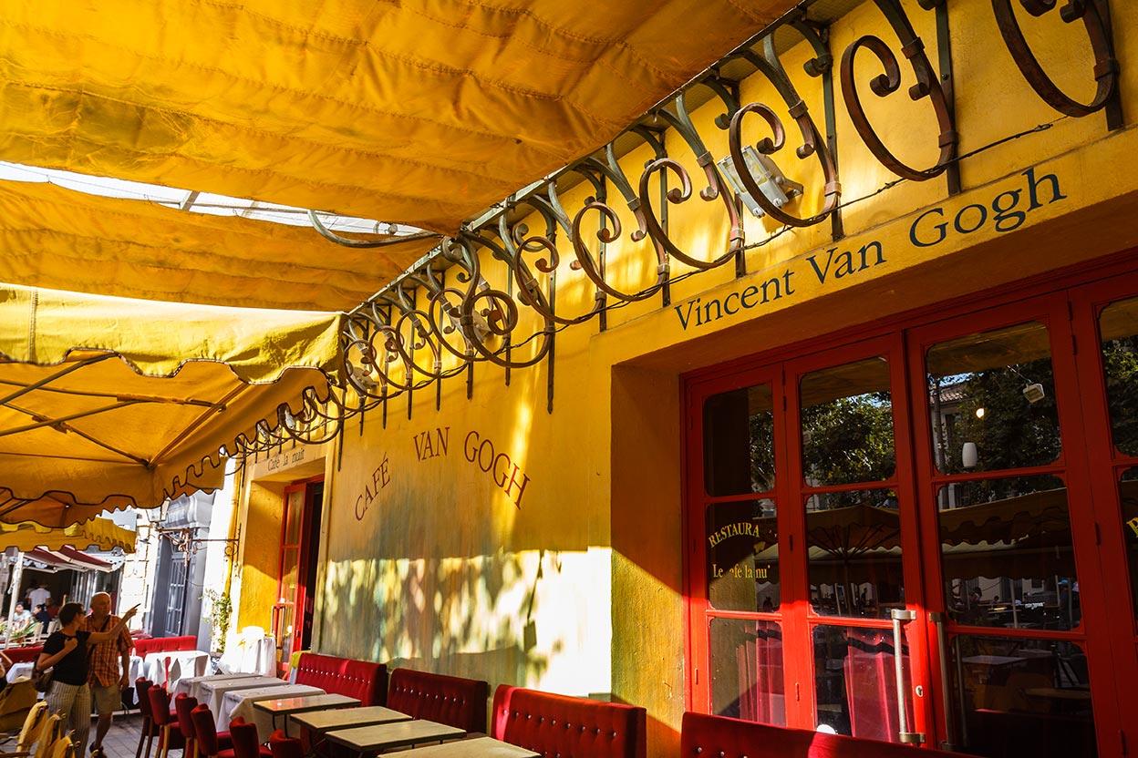 Café con artista. Arlés, 2013 ©Flivillegas