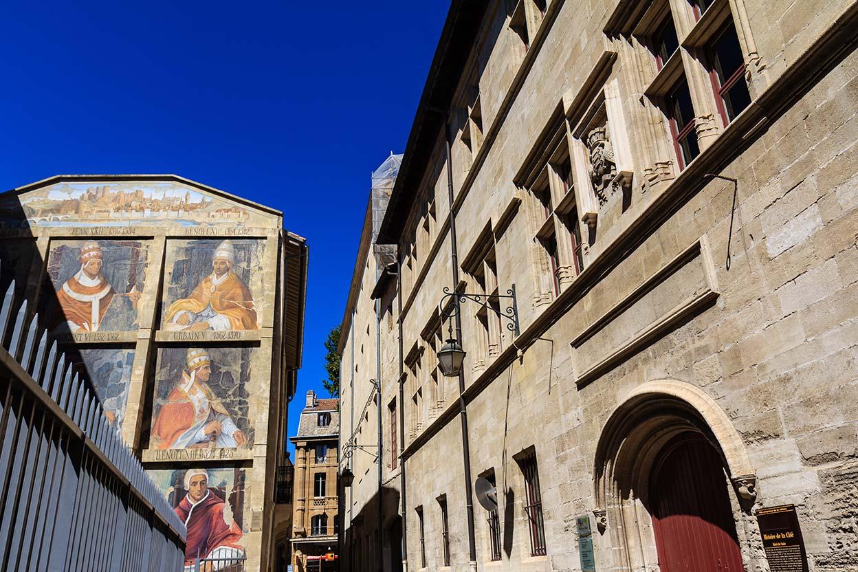 Más papista que el Papa. Avignon, 2013 ©Flivillegas